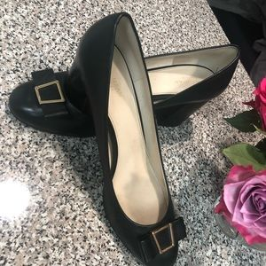 Cole Haan Emory Grand Bow Pump, size 11, 3 inch